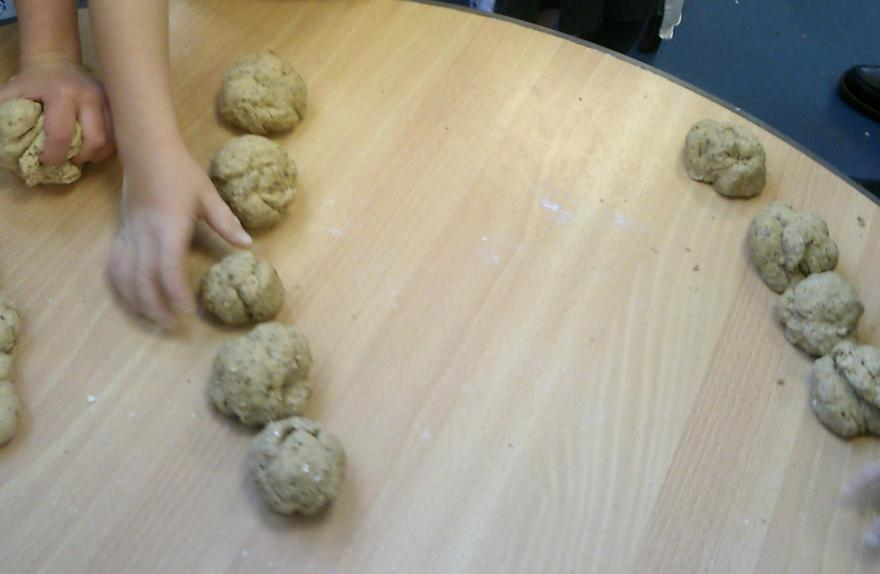 ..to help 'The Little Red Hen' make 5 equal sized rolls using all of our dough.