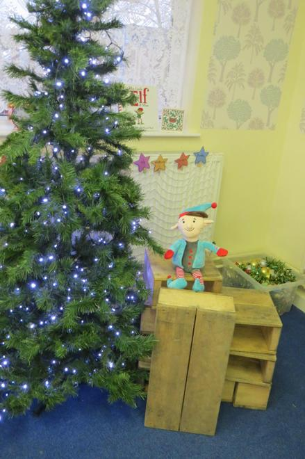 But the cheeky elf removed all the decorations!
