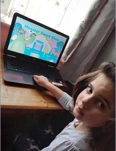 Aurora playing a Maths game online