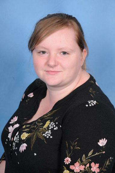 Mrs J Oakley     (Year 6 Teacher)