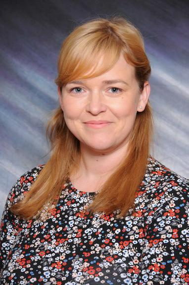 Miss S Lewis     (Year 6 Teacher)