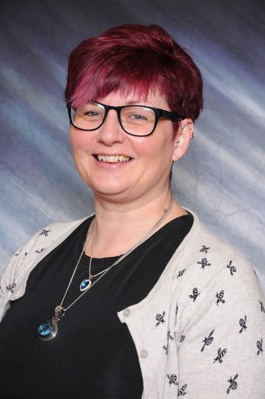 Mrs J Carpenter     (Year 2 Teacher)
