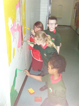 Year 2 Help paint nursery Ryhmes