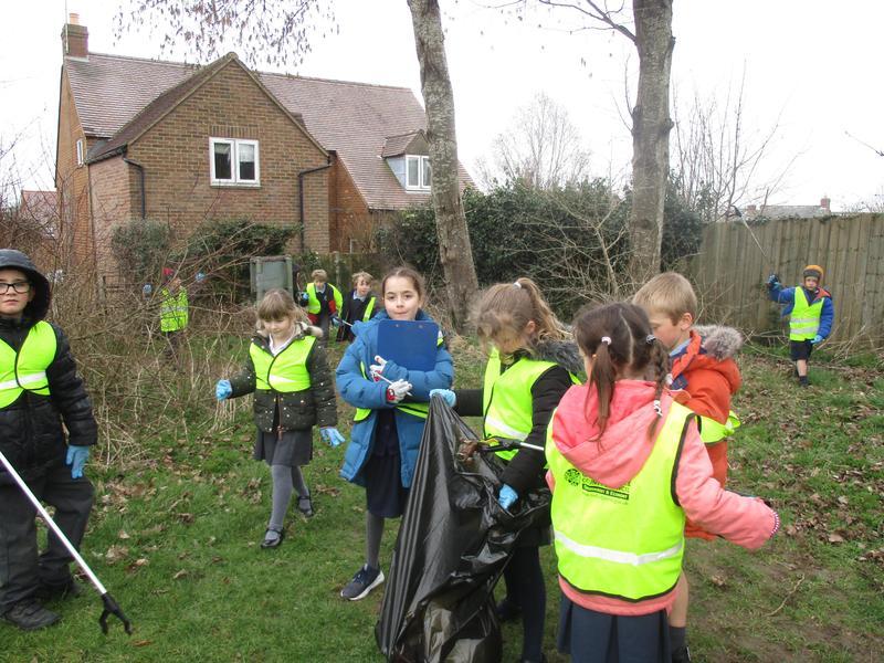 Teamwork litter pick