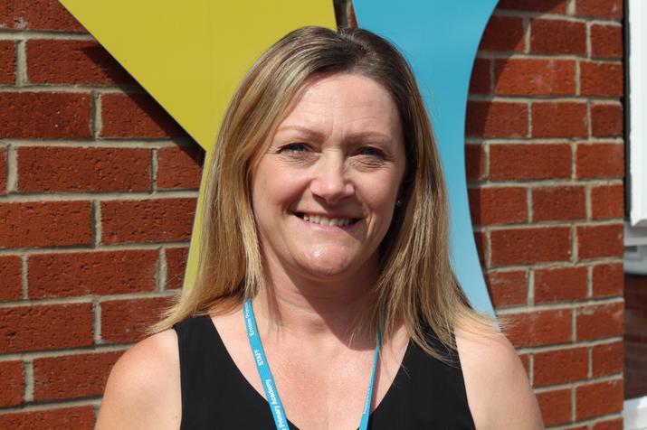 Mrs L Gibbons KS1 TA