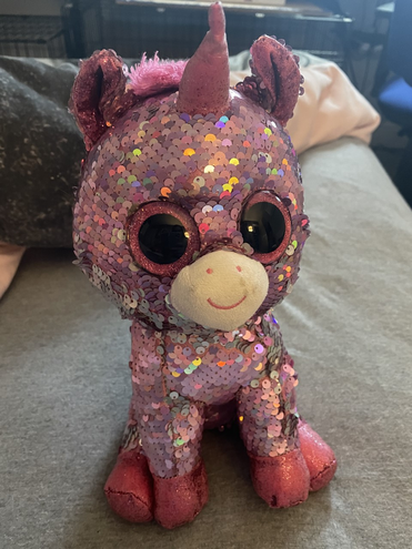 Meet Sparkles, Lilli's toy who looks after her.