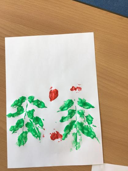 Key worker children - printing with nature.