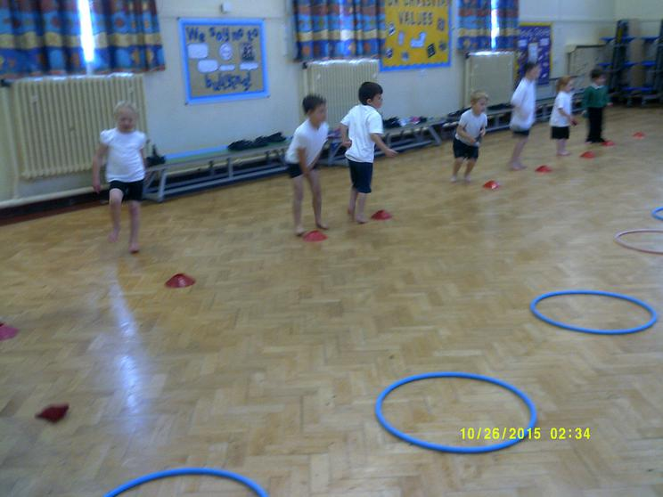 We practise throwing & catching different objects