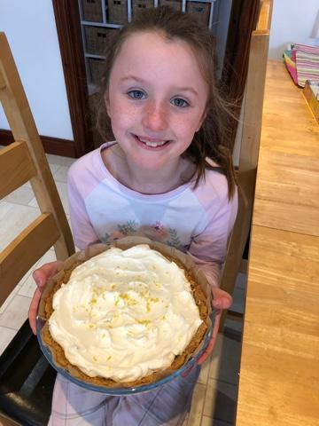 Bella baked a lemon cheesecake