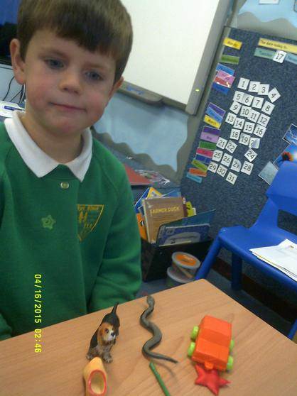 We learn rhymes and look at rhyming objects.