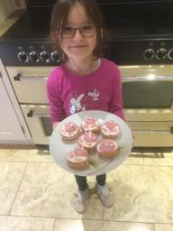 Emma has made beautiful cupcakes!