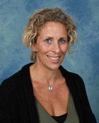 Mrs Fiona Francis