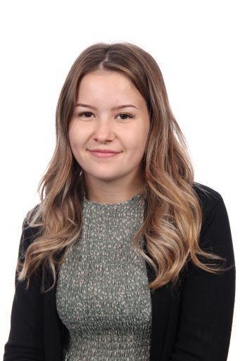 Miss Beth Erroch - Apprentice L3 TA