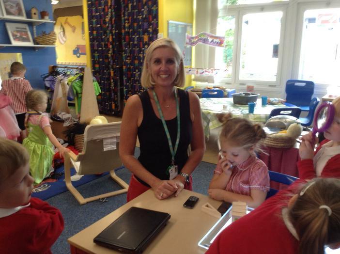 Mrs Helen Hickling- Class Teacher