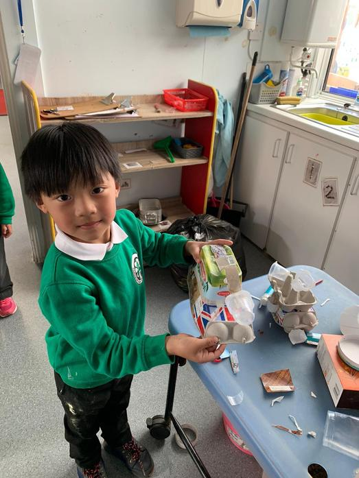 Making a snail from recycled material