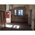 Oldstock cupboard removed so now a wide corridor