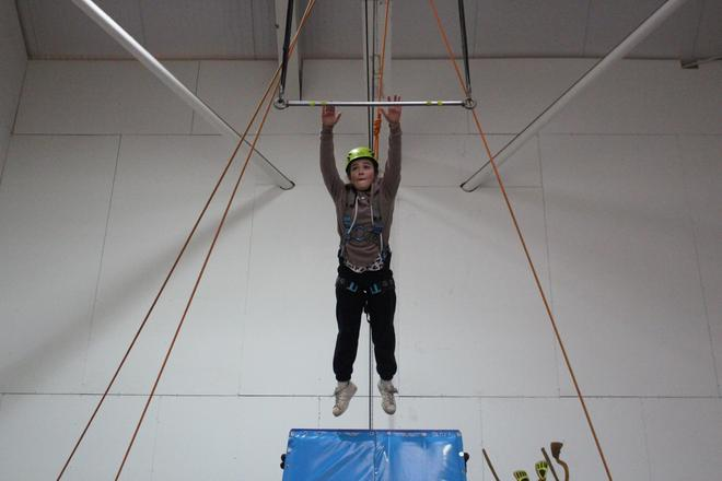 Year 6 give the trapeze a go!
