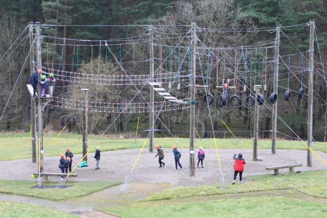 Year 5 tackle the high ropes challenge!