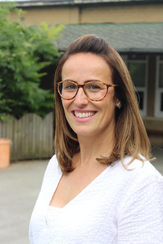 KS1 Leader: Mrs G Simmonds