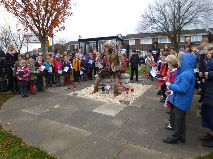 Year 2 & Year 6 led our Service of Remembrance