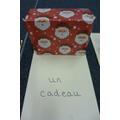un cadeau - a present