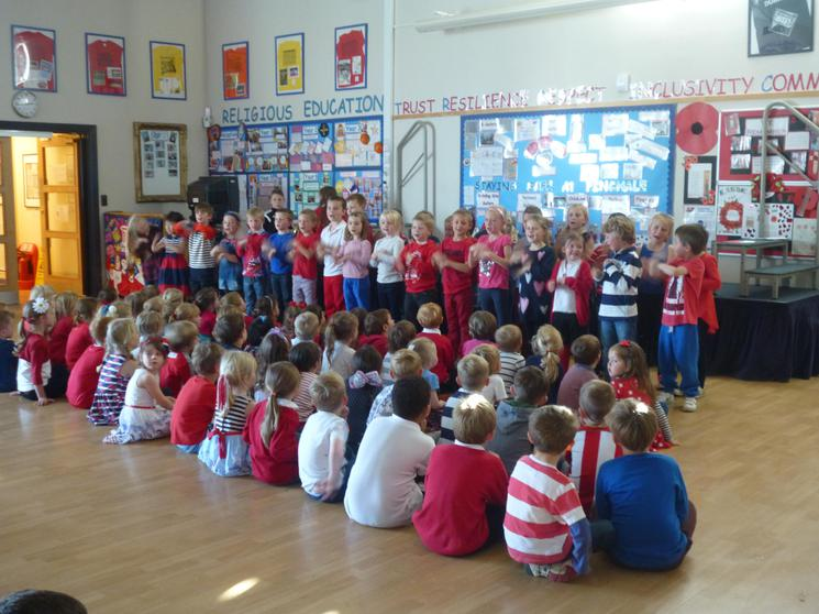 Year 2 singing: Meunier Tu Dors.