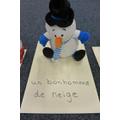 un bonhomme de neige - a snowman