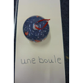 une boule - a bauble (a ball)