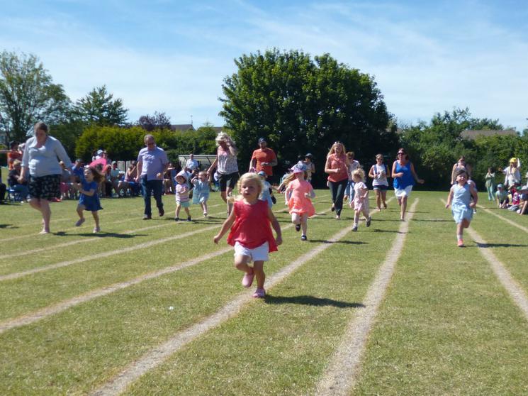 Girls Pre-Schoolers - Race