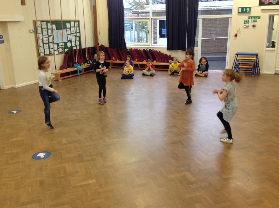 Dance 3 Kick 'n' Roll