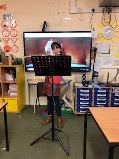 Ellie gave a fabulous performance of Jingle Bells which we sang along to!