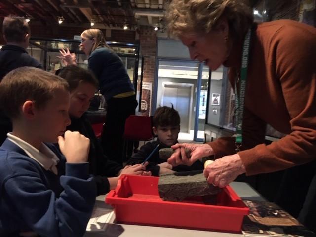 Investigating artefacts in hands-on workshops