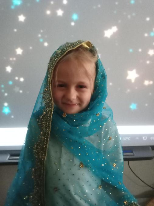 Maja looking very sparkly!