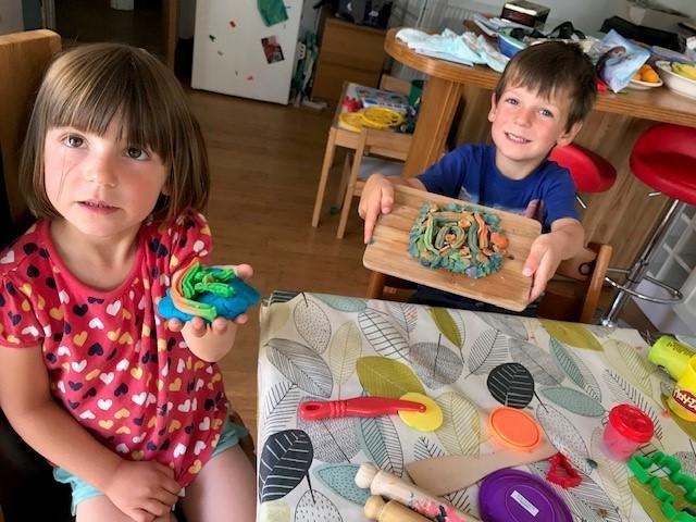 William and Frankie make playdough cakes!
