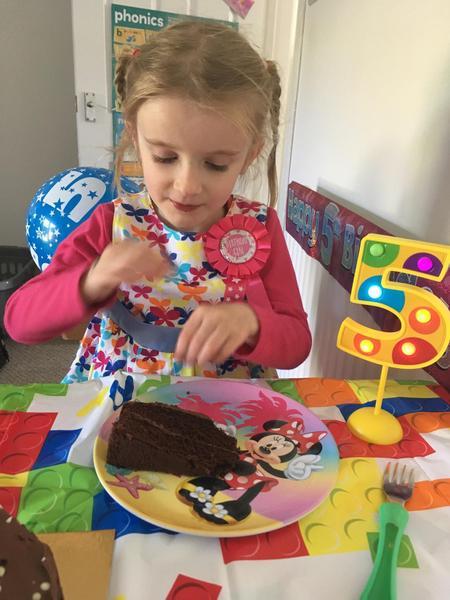 Poppy's cake looks yummy!