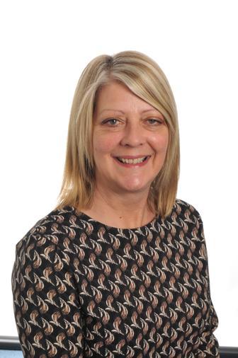 Mrs  Holloway (KS2 Leader)