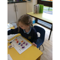 Maths-counting using a tens frame