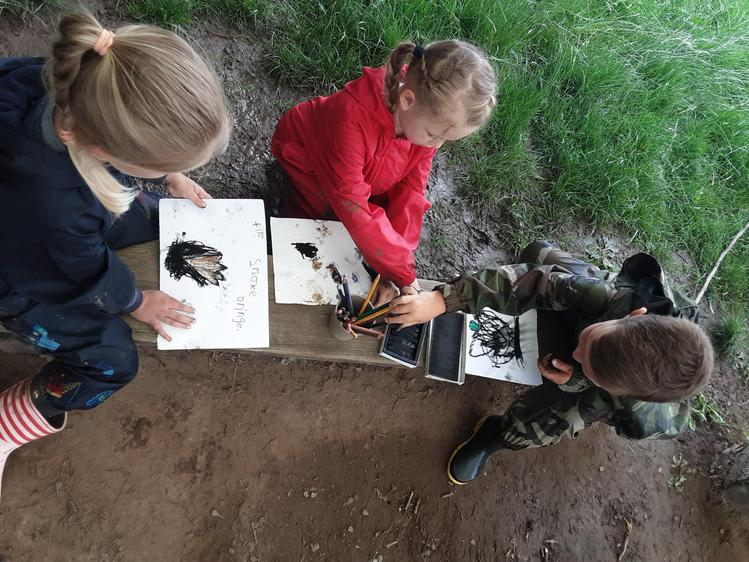 Drawing fire pictures after watching it for a while in base camp