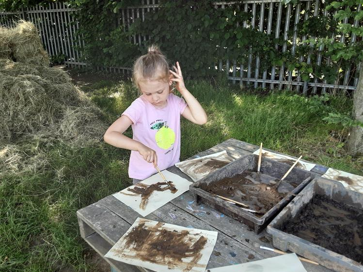 Mud paint pictures