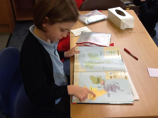 Atlas work in Geography