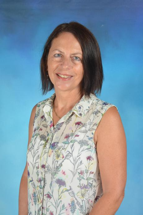 Mrs M Wallace - Higher Level Teaching Assistant
