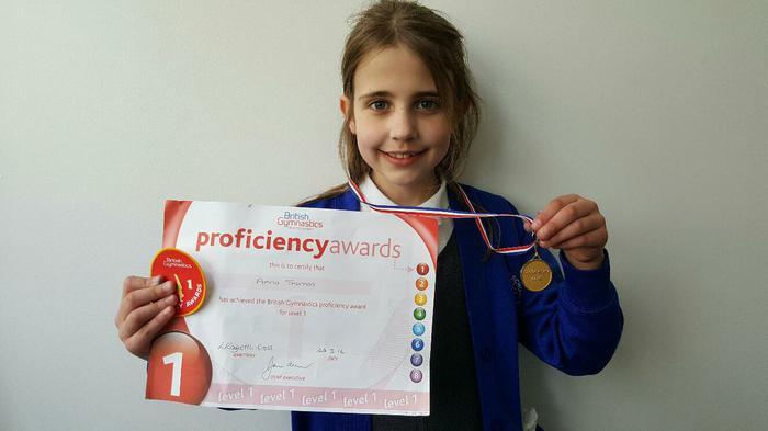 Anna - L1 Swimming Award - Well done!