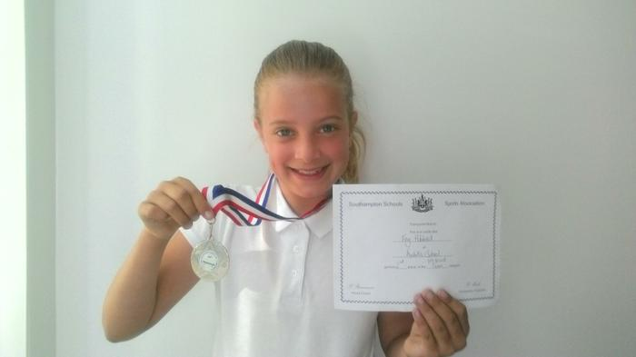 Fay(4HS)-2nd in U9 Trampolining competition