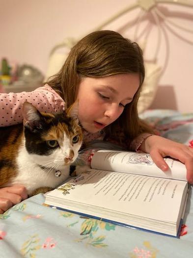 Freya reading!