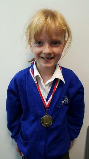 Amy (3NH) - Winning a Fun Run Award!