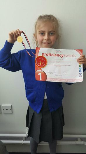 Eva - L1 Gymnastic award!