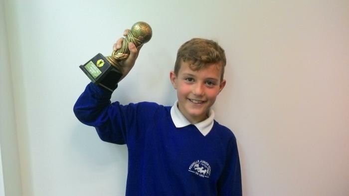 Ethan (4MG) U10 Football champion!