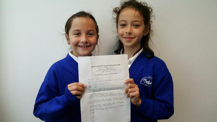 Sophie+Eva(4LG)Auditions for the Mayflower theatre