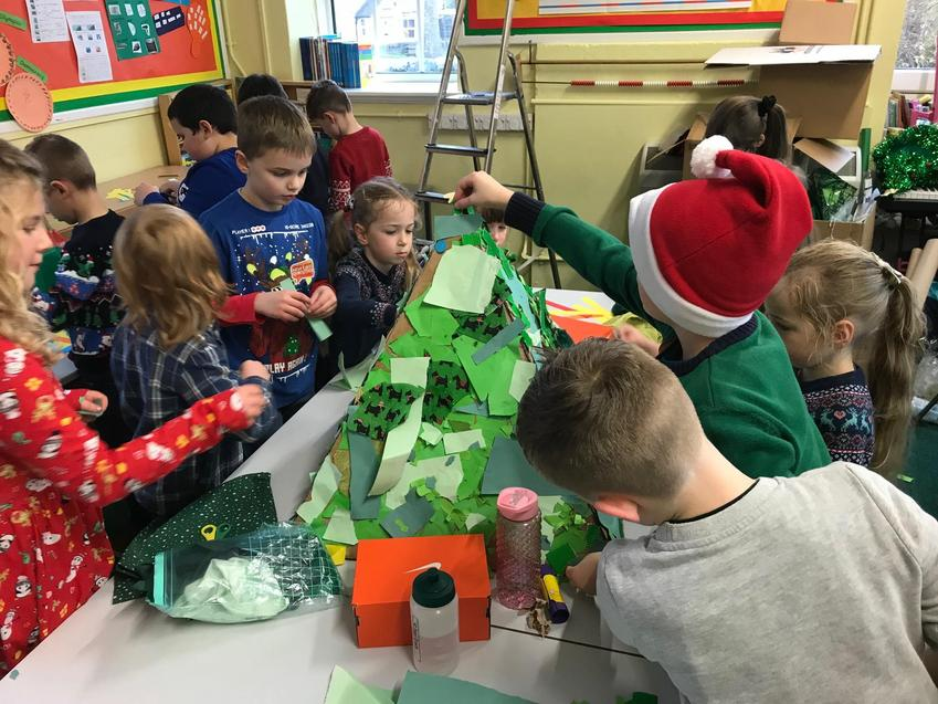 Making the recycled Christmas Tree