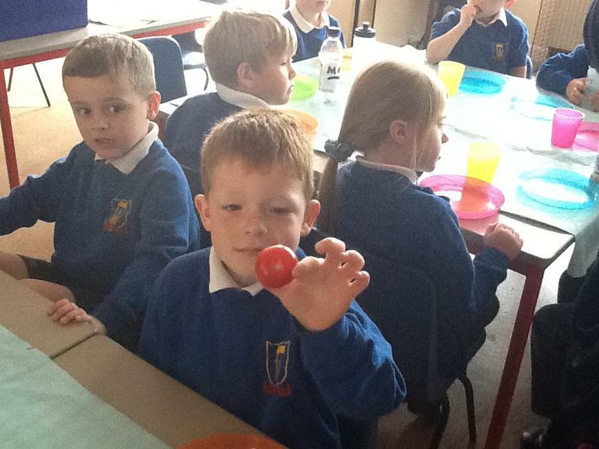 "recognising 3D shapes ""it's a sphere!"""